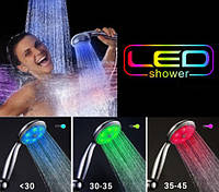 Светящаяся светодиодная насадка на душ LED 3 Color с датчиком температуры