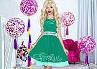 Нарядное короткое женское шифоновое платье, атласный пояс украшен камнями. Цвет зеленый