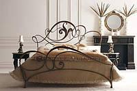 Кованая мебель для спальной. Кованые кровати, прикроватные столики, пуфы и многое др.