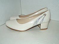 Новые лаковые бежевые туфли, р. 36 - 40
