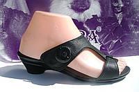 Летние кожаные шлепки на небольшом каблучке от производителя, цвет черный, фото 1