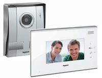 Видеодомофон с цветным дисплеем 7  Legrand  Белая панель (комплект) 369200