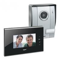 Видеодомофон с цветным дисплеем 7 Legrand  черная панель (комплект) 369210