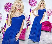 Нарядное женское платье в пол на одно плечо, материал шифон и атлас, украшено брошью. Цвет электрик