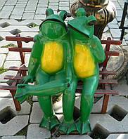 Садово-паркова фігура Жабенята закохані 50 см