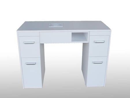 Маникюрный столик М126