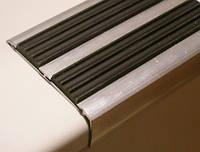 Противоскользящие резиновые накладки на ступени