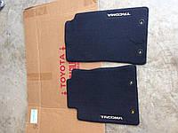 Toyota Tacoma 2012-14 передние велюровые коврики (темный уголь) Новые Оригинальные