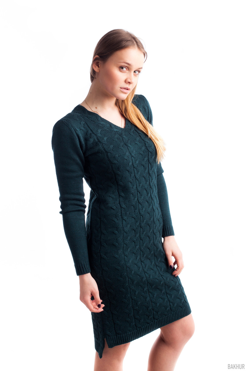 Теплое платье полу-прилегающего кроя, цвета бутыль