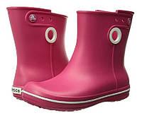 Сапоги Crocs Women's Jaunt Shorty Boot / женские резиновые дождевики короткие полусапоги с кружочком Резиновые сапоги, 38, Малиновый
