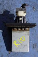 Резистор печки с кондKiaRio2000-20060K30A61B15, 0K30B61B15, 1K55261C08