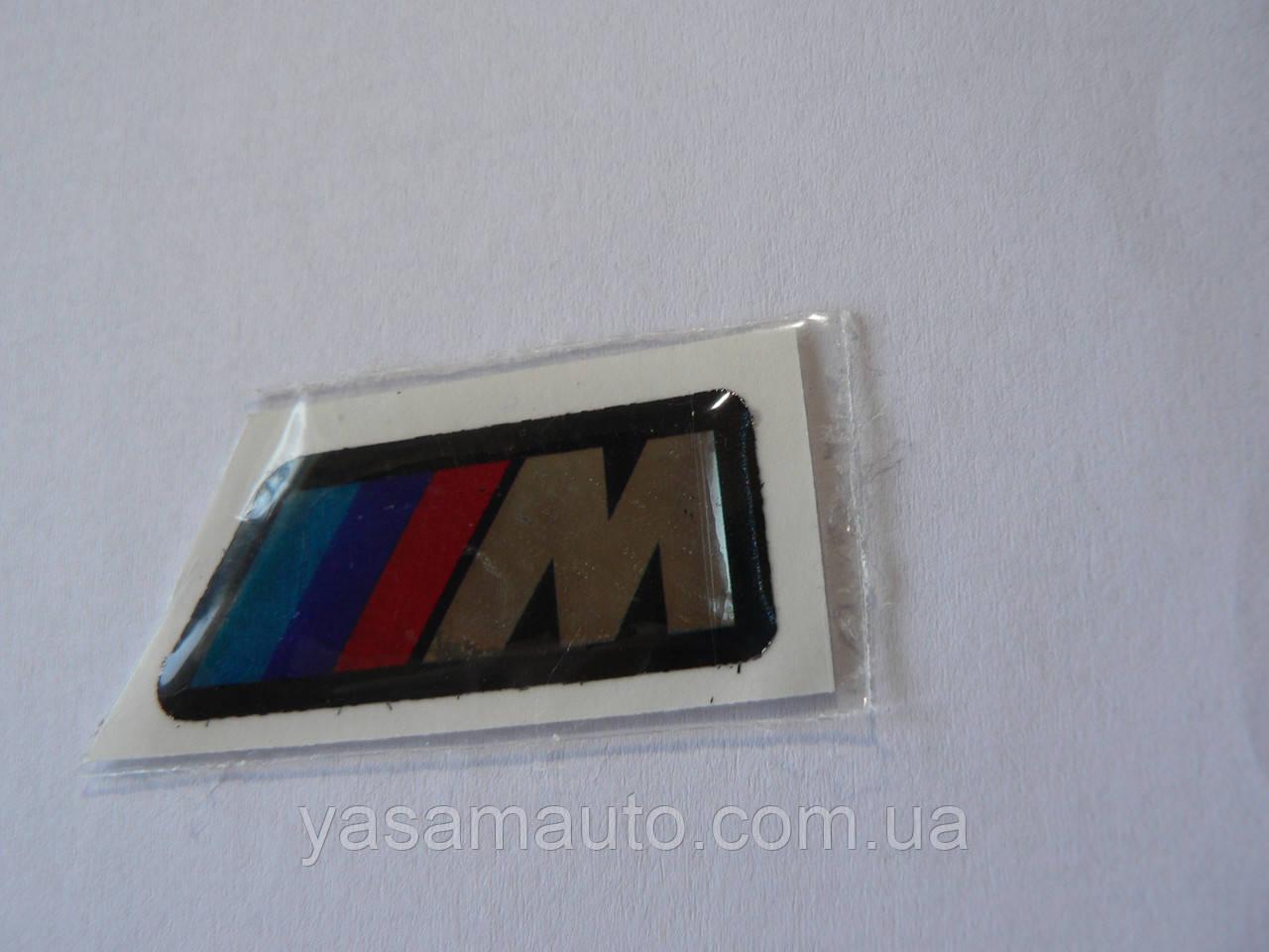 Наклейка s силиконовая надпись BMW 3M три полосы /// М трапеция 39х16х1мм силикон  на авто БМВ со скосом