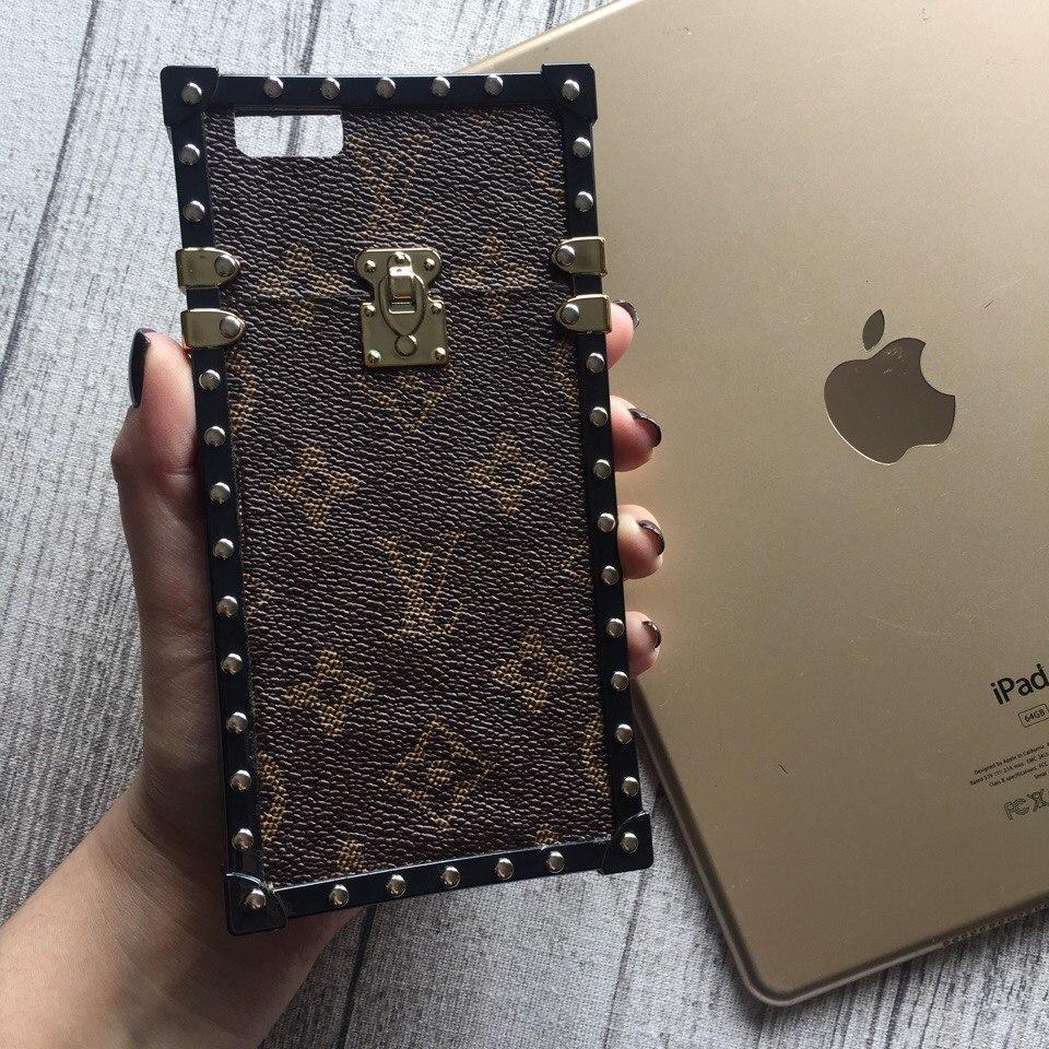 Силиконовый чехол Louis Vuitton коричневый с буквами для iPhone 6 Plus/6s Plus