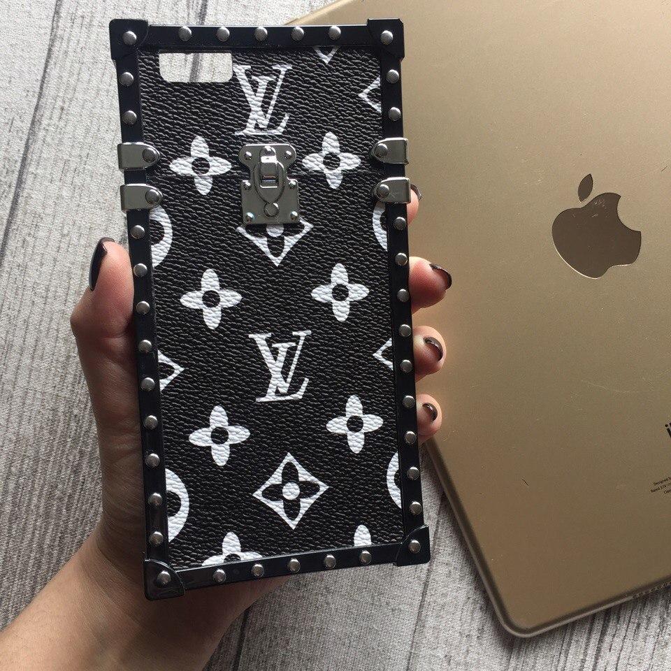 Силиконовый чехол Louis Vuitton чёрный с белыми буквами для iPhone 6 Plus/6s Plus