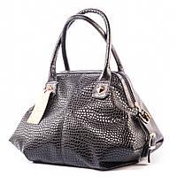 Черная сумка-саквояж женская мягкая лаковая v1369lizard