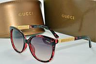 Солнцезащитные очки квадратные Gucci черные с красным