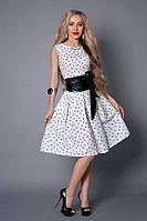 Летнее пышное платье белого цвета с широким поясом из эко-кожи