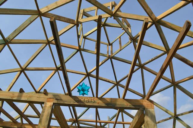 Купольный дом снизу - вверх Состояние на 31 марта 2017