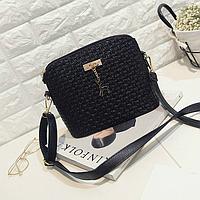 Стильная сумочка с брелком