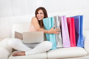 Шопинг в Интернете: брюки с кофтой – универсальный look.