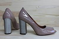 Женские туфли с открытым носком из натуральной лаковой кожи. Возможен отшив в других цветах кожи и замша