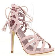 Женские босоножки розового цвета на каблуке