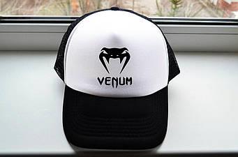 Кепка Тракер Venum черная с белым