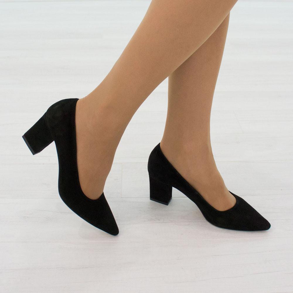 Замшевые туфли лодочки 36.39. женские Woman's heel черные с заостренным носком на каблуке