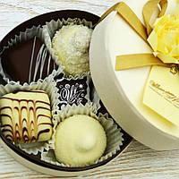 """Набор элитных шоколадных конфет """"Комплимент"""". Размер: Ø115х50мм, вес 110г, фото 1"""