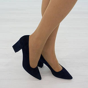 Туфли женские замшевые 36. 37. на низком каблуке Woman's heel синие с заостренным носком