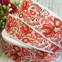 Репсовая лента 2,5 см, петушки с красными цветами, белый
