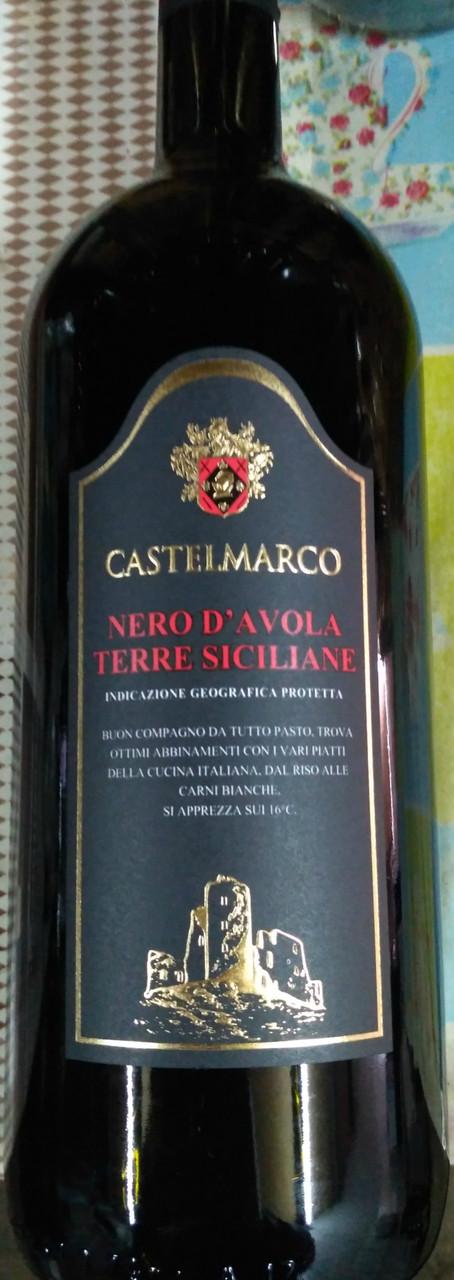 "Итальянское сухое красное вино Castel Marco ""Nero D'avolo Terre Siciliano'' 1.5л"
