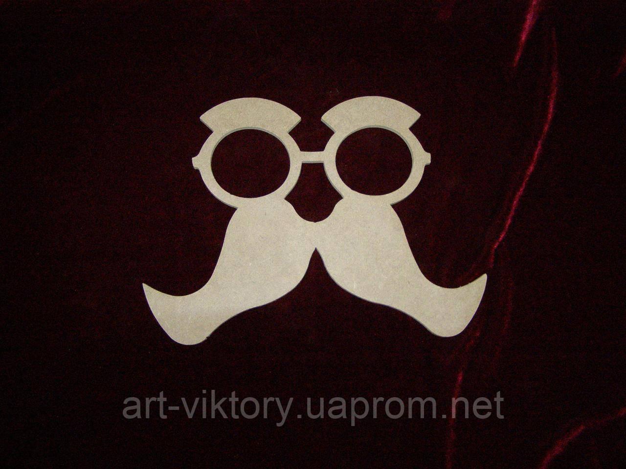 Очки с усами (27 х 19 см), декор
