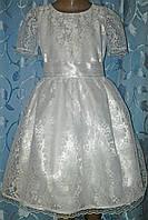 Нарядное детское платье из гипюра с белым кружевом