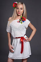 Платье из натуральной вышитой ткани