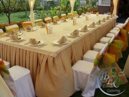 легкие и удобные складные столы на природе