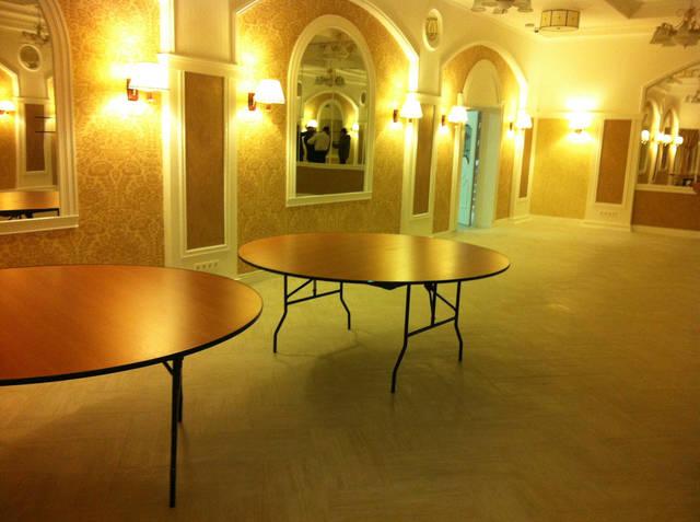 складные круглые столы для ресторана в Киеве
