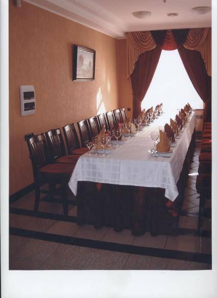 стол складной для кафе и ресторана