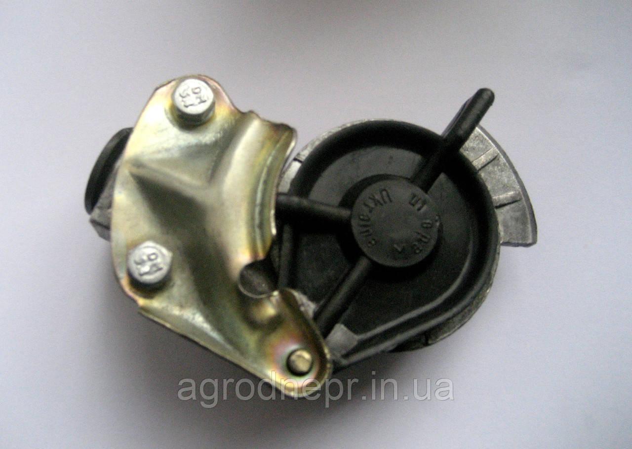 Головка соединительная пневмопровода тормозов прицепа А29.76.000