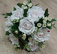 """Букет из конфет Raffaello """"Белые розы"""""""