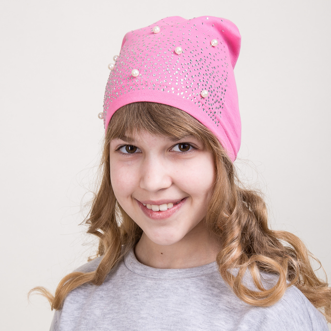 Весеняя шапка для девочек с бусинками 2018 оптом - Артикул 2069
