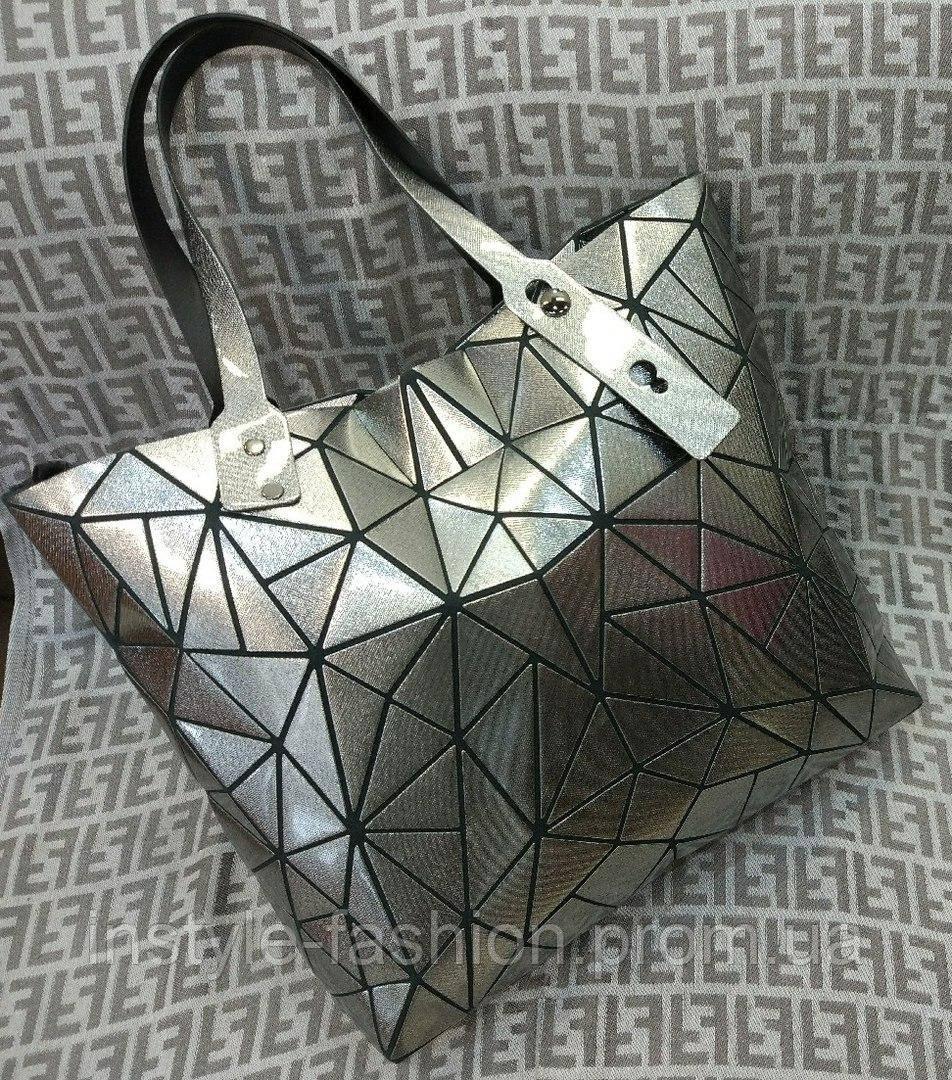 Модная и стильная женская сумка цвет серебрянный