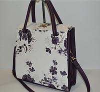 Женская сумка-коробка белая с сиреневыми цветами
