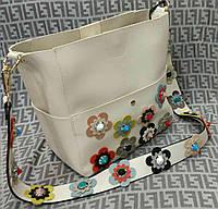 Модная женская сумка с цветами цвет белый