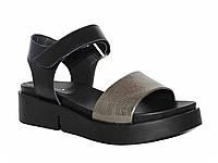 Женские кожаные сандалии на липучке (черный-серебро)
