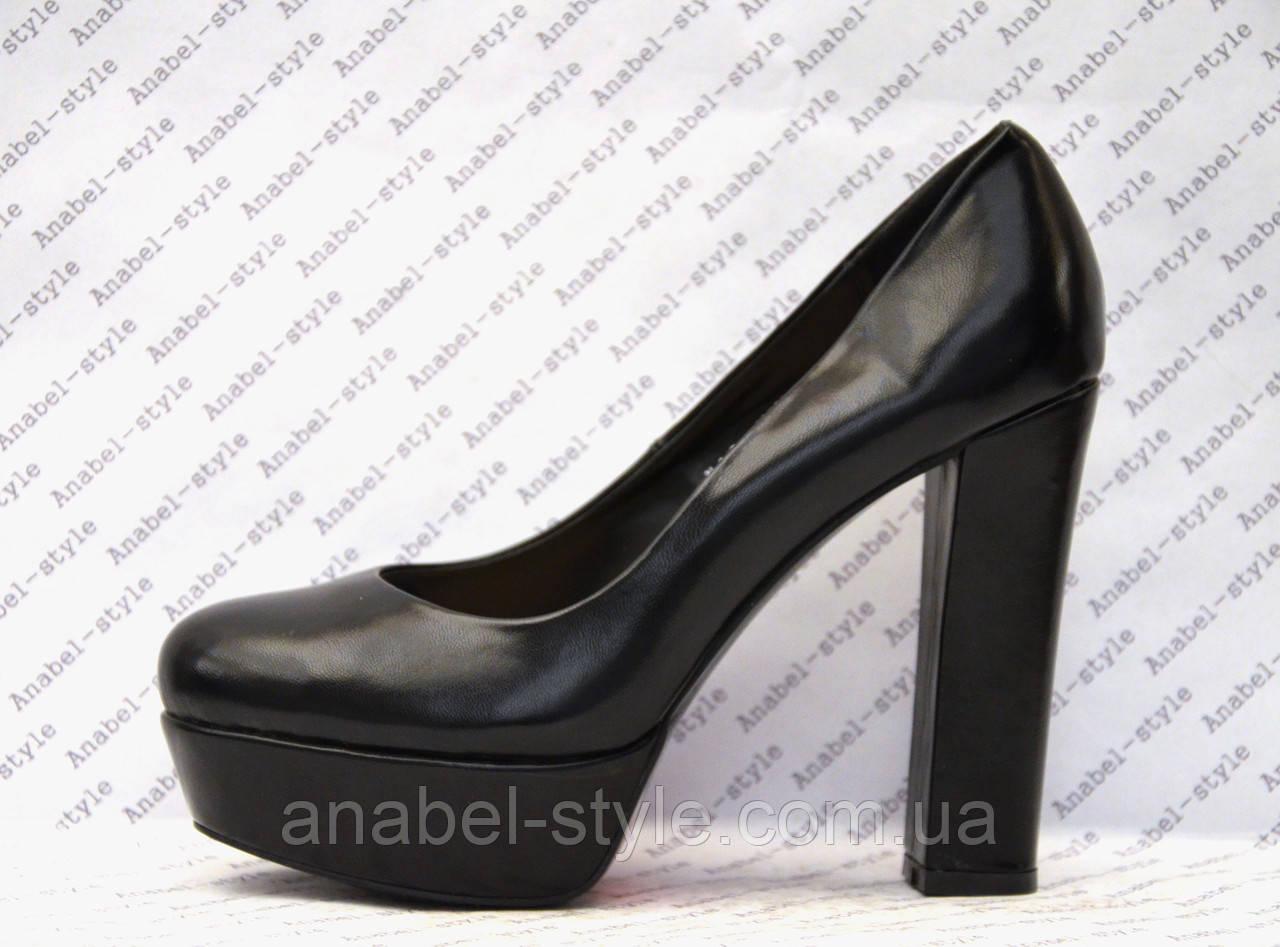 Туфли  на толстом устойчивом каблуке черного цвета