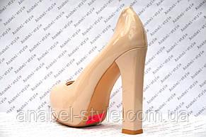 Туфли лаковые на толстом устойчивом каблуке цвета пудры, фото 3