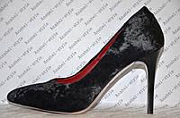 Туфли лодочки женские на шпильке велюр черного цвета