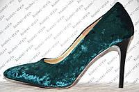 Туфли лодочки женские на шпильке велюр изумрудного цвета