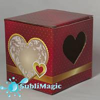 Подарочная упаковка для чашки гофракартонная с окном-сердце Красная